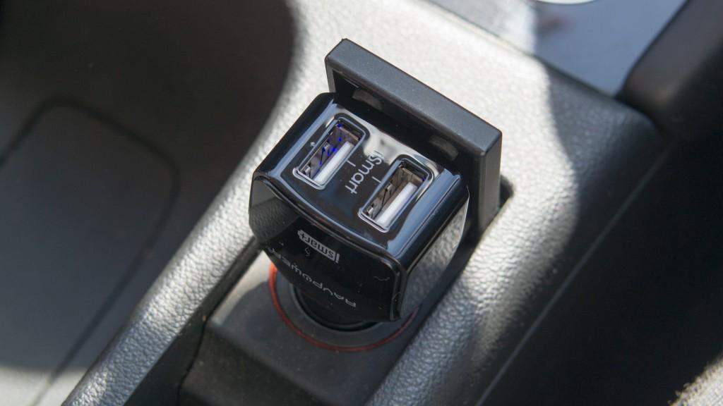 Dual Port USB Auto Ladegerät von RAVPower 24W 12V Dual-Port Kfz Review Test