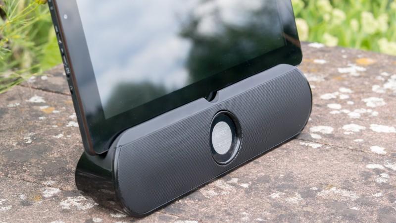 Bluetooth Lautsprecher + Tablet Ständer von Aukey im Test Aukey