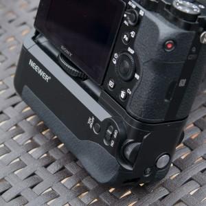 Batteriegriff für Sony A7/ A7r / A7s von Neewer im Test