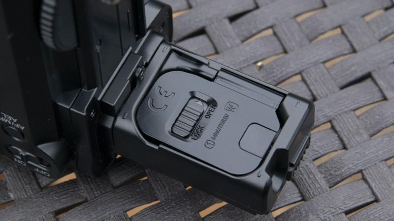 Batteriegriff für Sony A7 A7r A7s von Neewer im Test Review Ferbendienung Akkus VG-C1EM Kamera DSLR