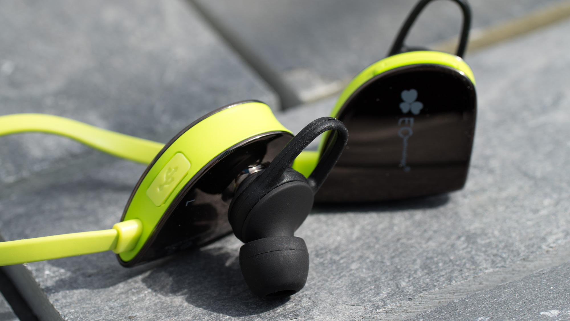 der beste bluetooth sport kopfh rer review der ec technology bluetooth 4 1 wireless in ear. Black Bedroom Furniture Sets. Home Design Ideas