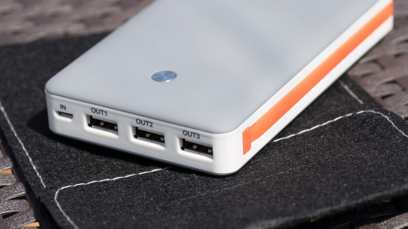 Xtorm XB102 15000mAh Free Powerbank Test Review