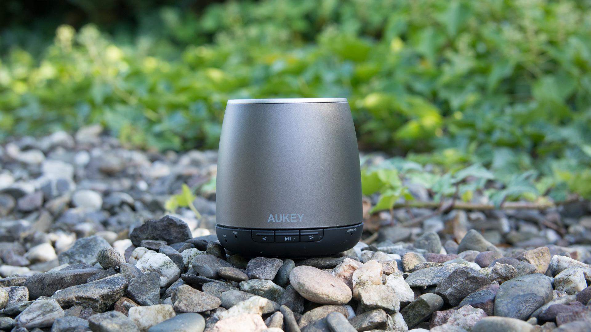Bluetooth Lautsprecher für 12€ von Aukey im Test Aukey DS-1162 review