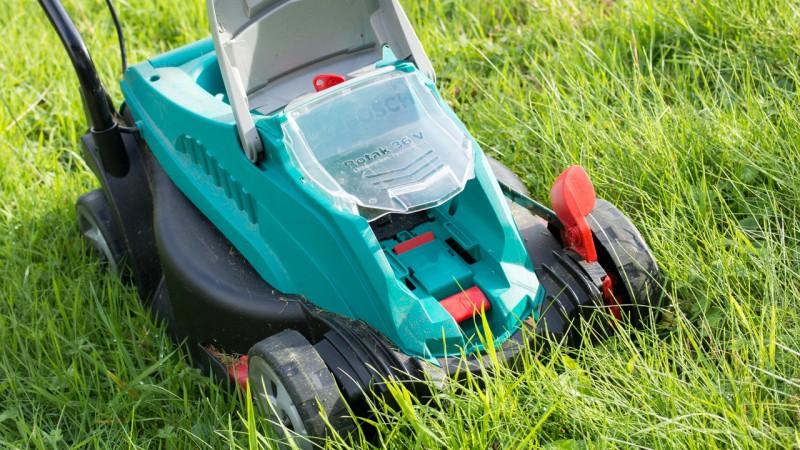 Bosch Home Garden Rotak 32 LI High Power Akku-Rasenmäher Test Review 36V