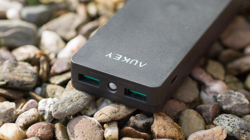 Das Neuste und Beste von Aukey Aukey AIPowerTM PB-N28 12000mAh Powerbank Review Test Externer Akku