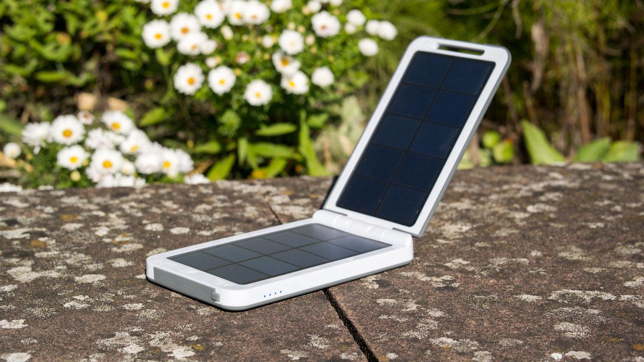 Die beste Solar Powerbank auf dem Markt! Xtorm AM120 – Lava 2 Solar Charger Review