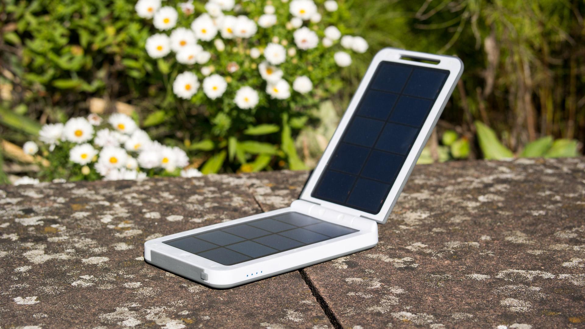 die beste solar powerbank auf dem markt xtorm am120. Black Bedroom Furniture Sets. Home Design Ideas