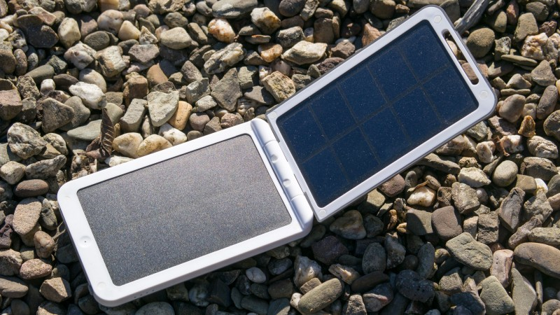 Solar Powerbank Xtorm AM120 Lava 2 Solar Charger Review Externer Akku Sonne Outdoor Test SolarPowerbank