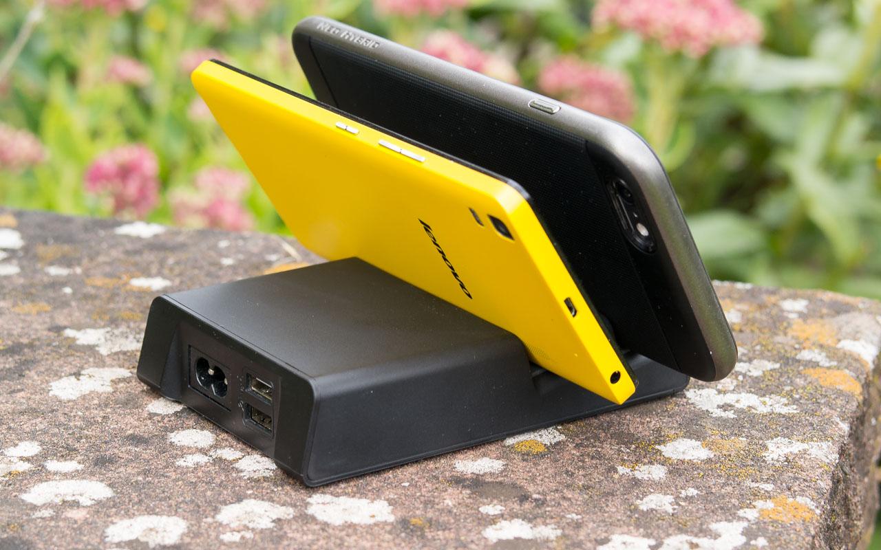 EasyAcc 4.8A 24W 2Port Gummigroove Ladestation Test Ladegerät USB Review Ständerfunktion Dockingstation