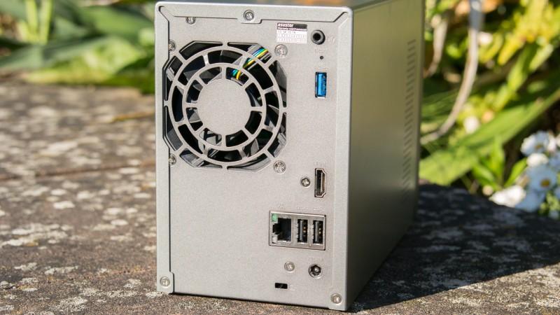 Asustor AS-202TE NAS mit Media Center im Test review Intel ATOM 1.2GHz Dual-Core Processor LAN Netzwerk Internet Cloud Speicher Festplatte Netztwerkspeicher XBMC