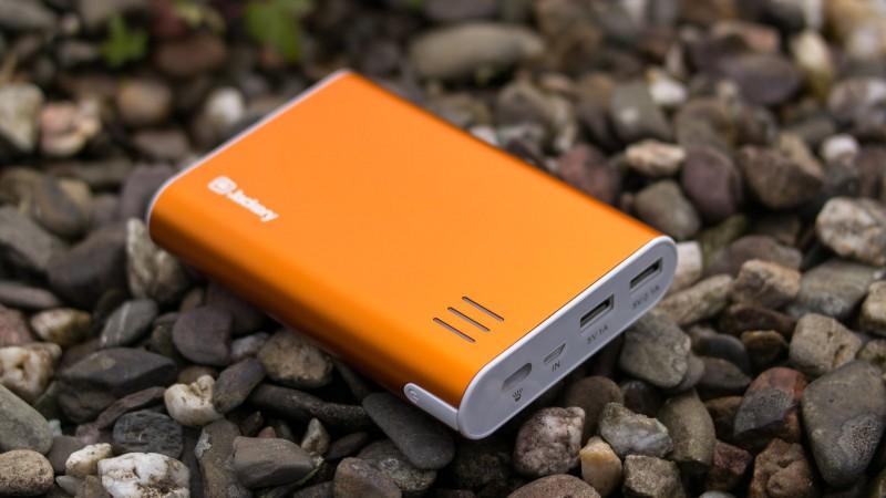 Jackery Giant+ 12000mAh Premium Powerbank Test Review USB Ladegerät Externer Akku Power Bank Alu Gehäuse