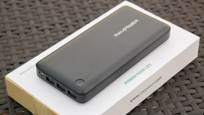 RAVPower größte Powerbank im Test RP-PB41 26800mAh Review Externer Akku USB Ladegerät Riesen Top