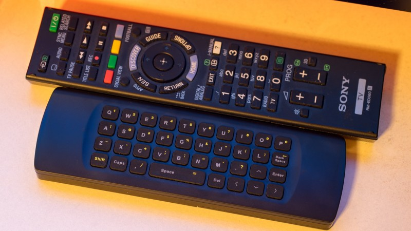 August PCR500 Air Mouse Maus und Tastatur Keyboard für Multimedia PCs Smart TVs im Test Review KODI XBMC QNAP NAS HDMI Fernseher