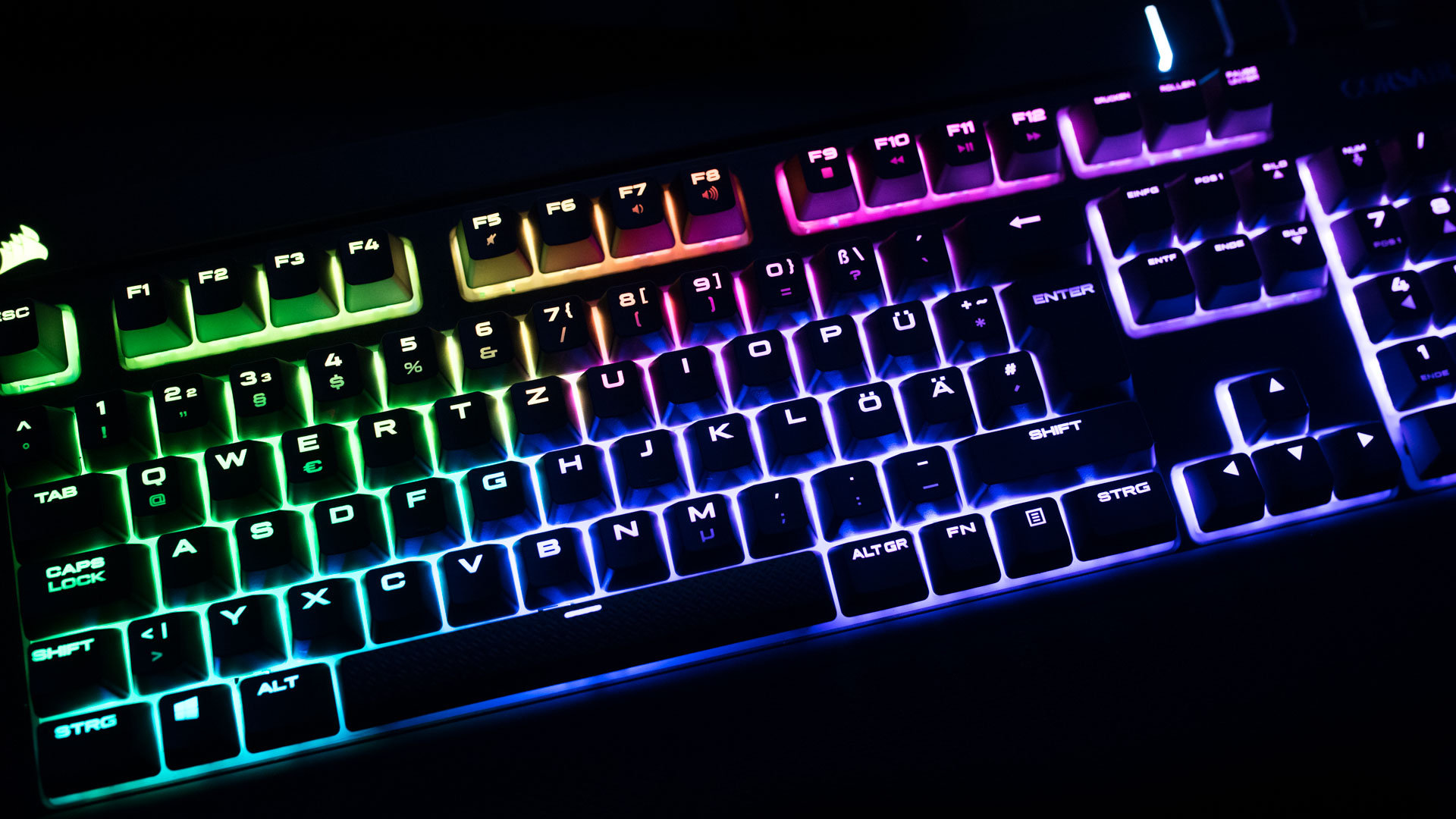 Corsair-STRAFE-Gaming-RGB-Tastatur-im-Te
