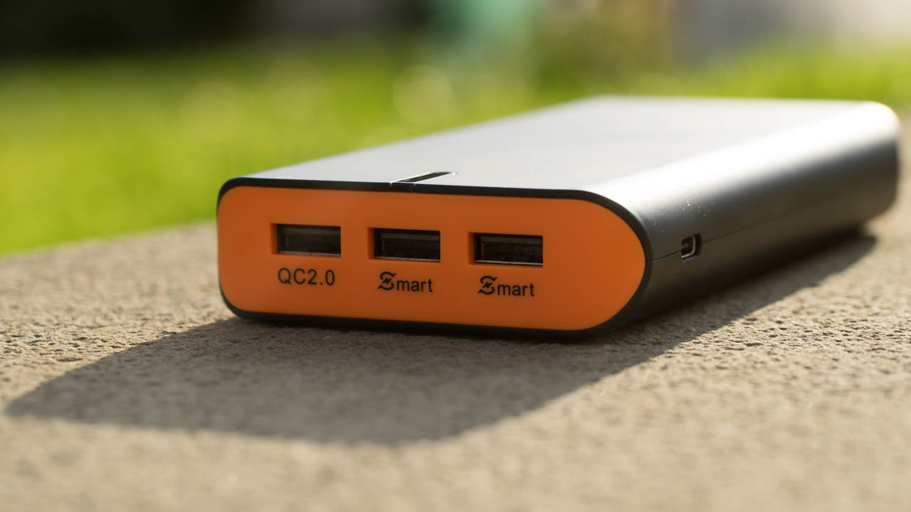 EasyAcc PB20000QC mit Quick Charge 2.0 20000mAh und USB Type C im Test