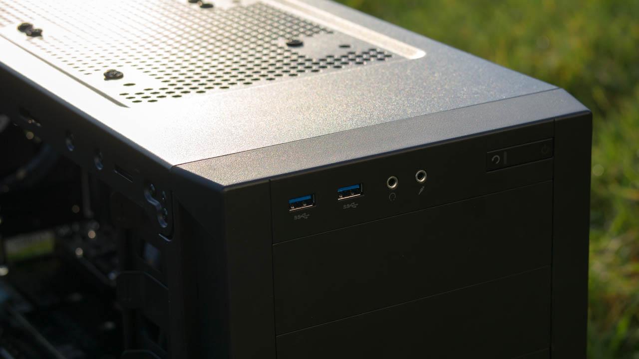 Corsair Carbide Series 200R PC Gehäuse im Test Review Bericht H100i Hardware Case