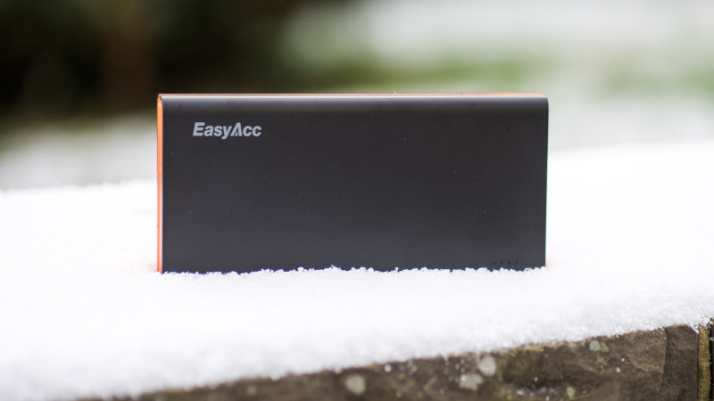 EasyAcc 2. Gen 15000mAh Power Bank Test Review Powerbank-14