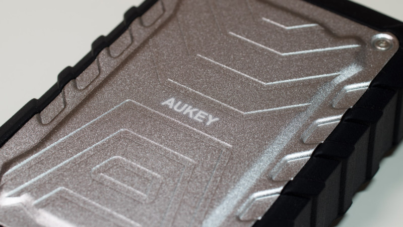 Günstige Outdoor Powerbank von Aukey im Test mit 7500mAh Kapazität Review-3