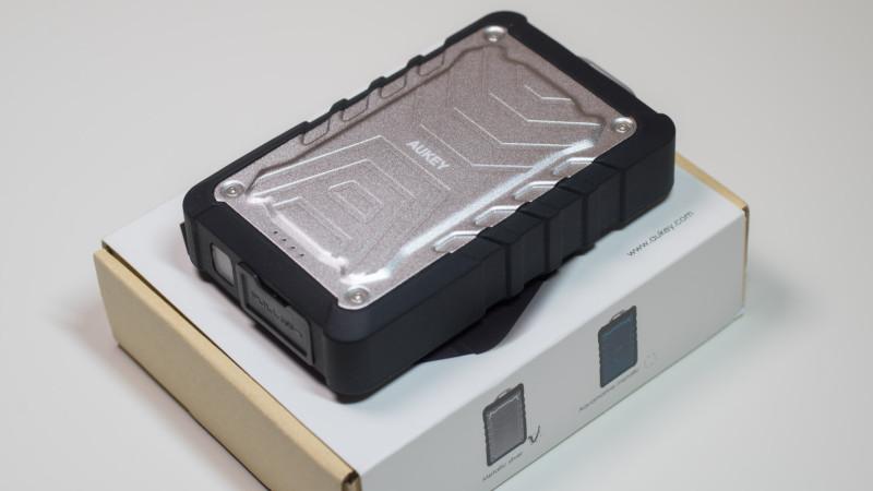 Günstige Outdoor Powerbank von Aukey im Test mit 7500mAh Kapazität Review-5