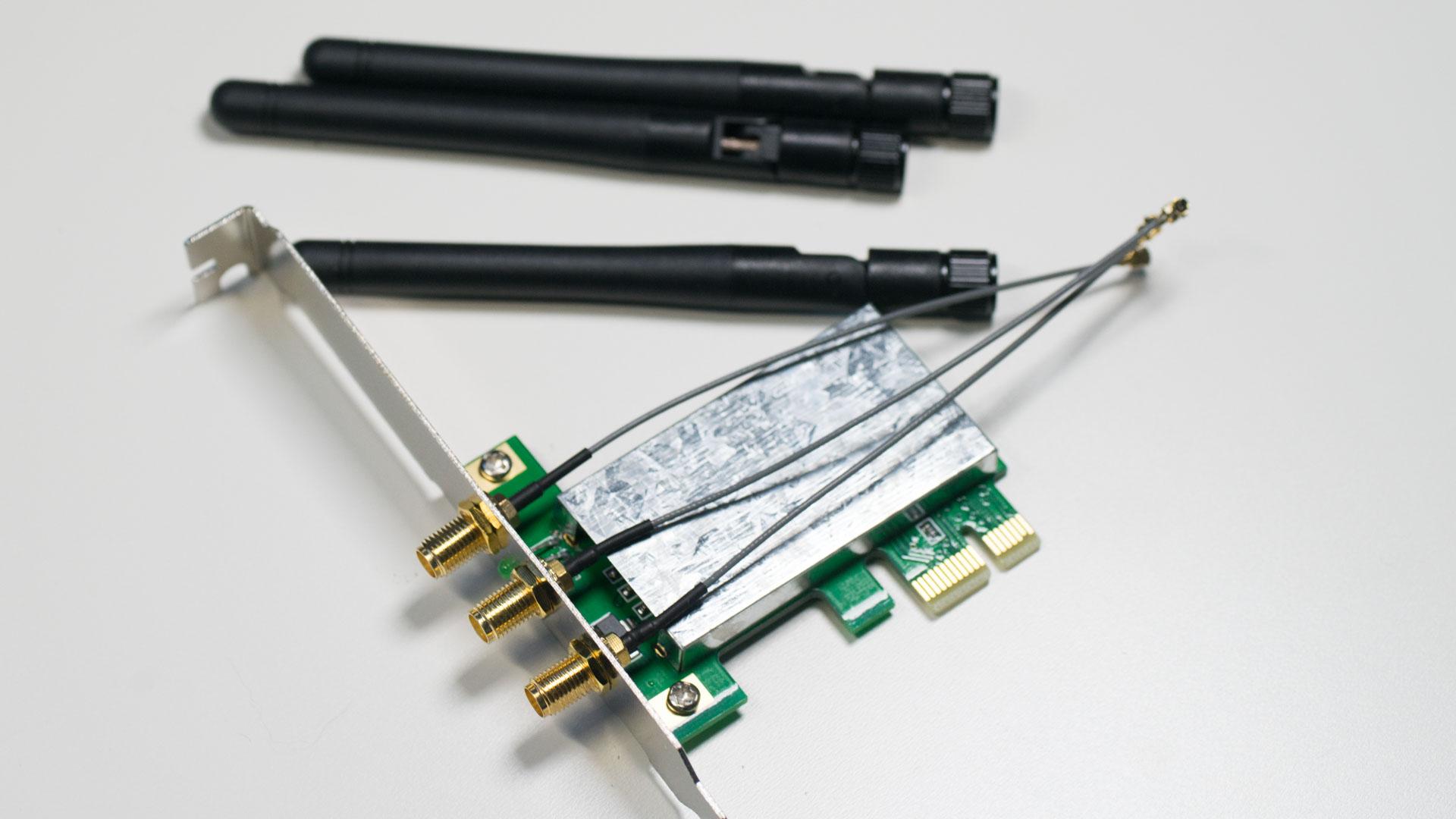 pcie mini card wlan adapter im desktop einsetzten pcie mini card auf pcie adapter techtest. Black Bedroom Furniture Sets. Home Design Ideas
