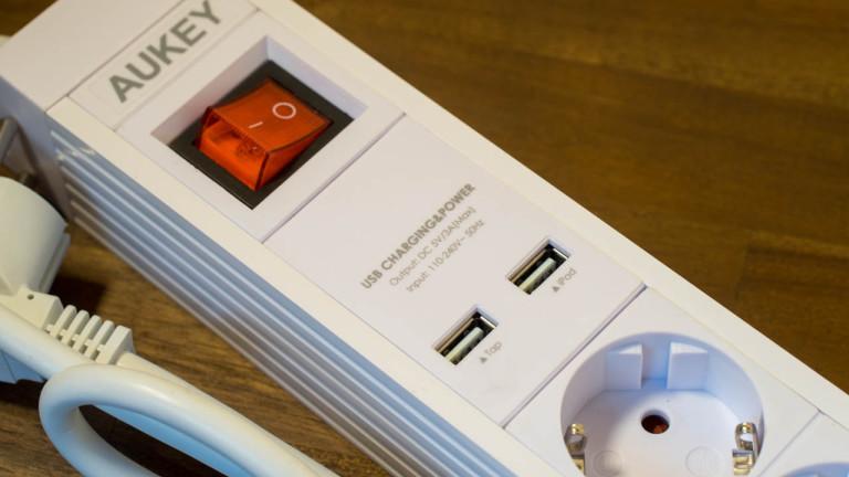 Steckdosenleiste mit USB Ports zum Aufladen von Smartphones im Test, Aukey PA-S2