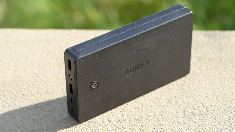 AUKEY PB-N36 20.000mAh Powerbank mit Lightning Port im Test