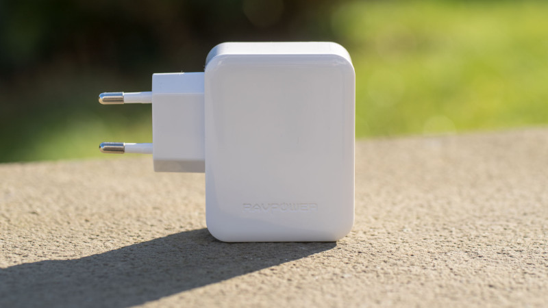 RAVPower RP-PC002 30 W 2-Port Quick Charge Ladegerät im Test Review-9