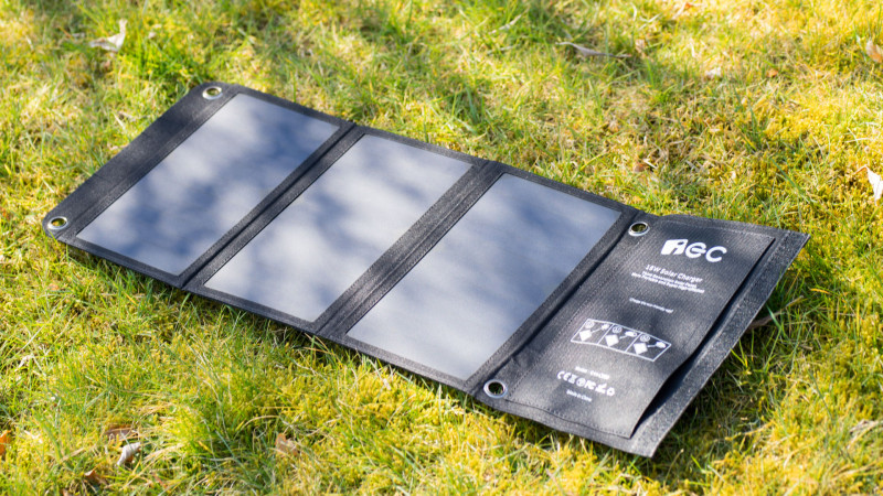 IEC 18W Solar LadegerätTest Review-13