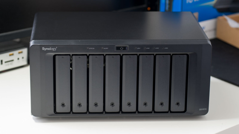Synology DS1815+ 8 Bay NAS im Test-5