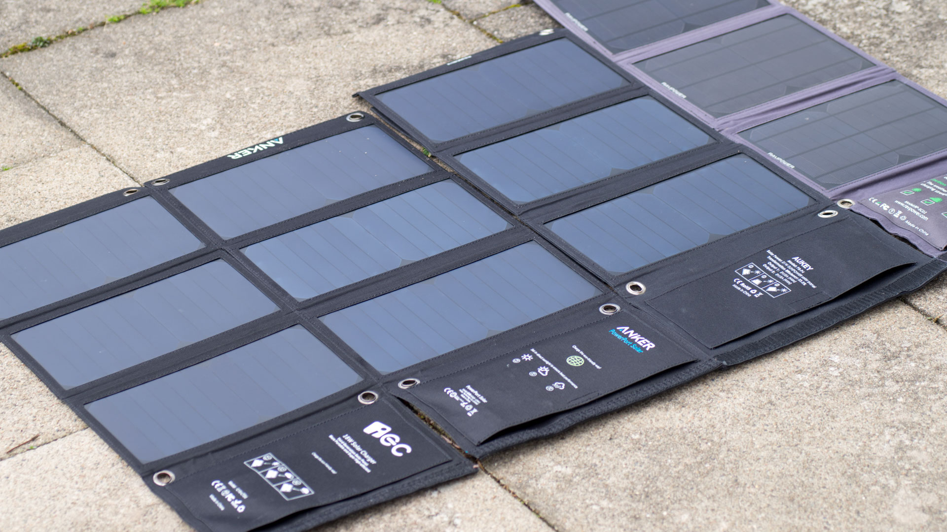 das anker powerport 21w usb solarladeger t im test techtest. Black Bedroom Furniture Sets. Home Design Ideas