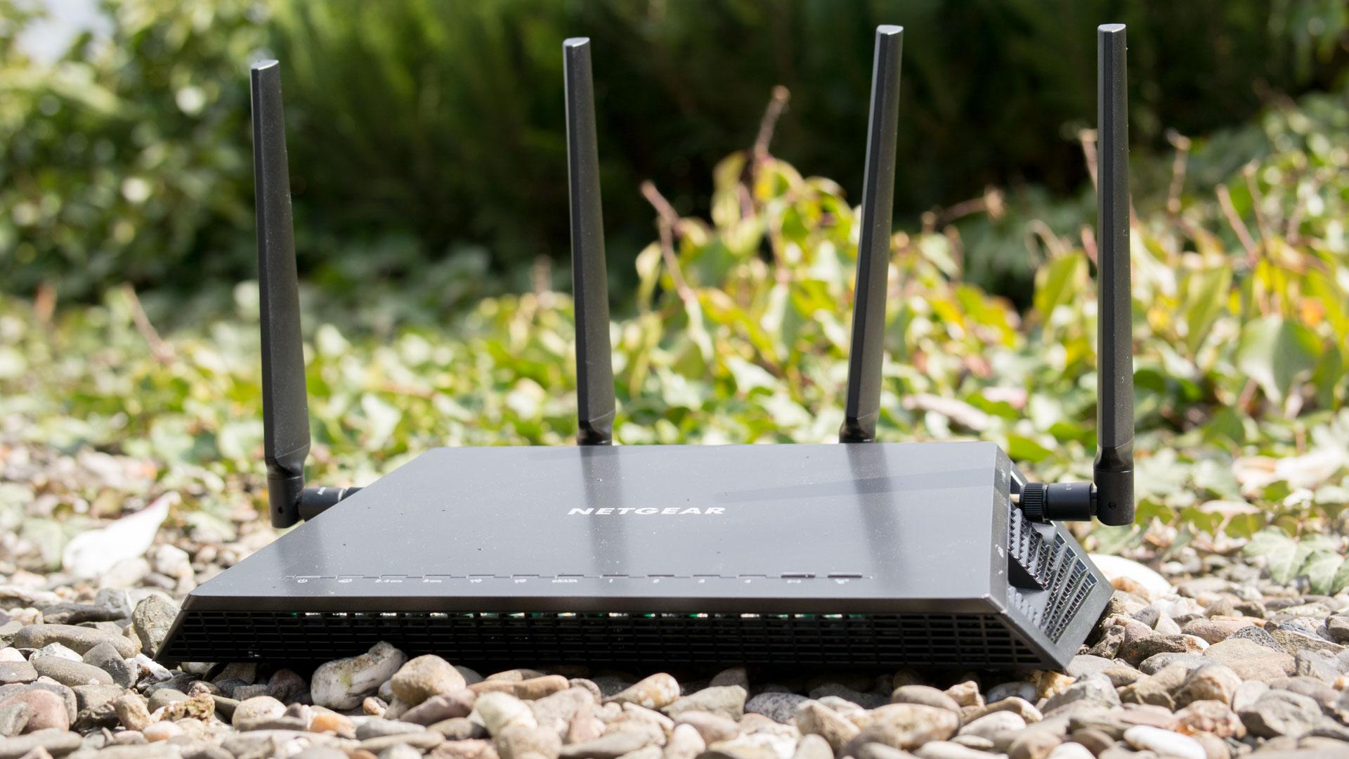 der netgear nighthawk r7800 x4s im test der schnellste wlan router bisher techtest. Black Bedroom Furniture Sets. Home Design Ideas