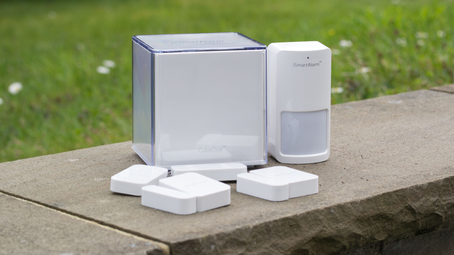 smart alarmanlage im test das ismartalarm preferred package techtest. Black Bedroom Furniture Sets. Home Design Ideas