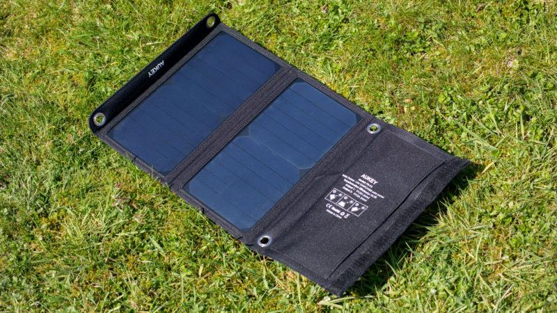 AUKEY Solarladegerät mit 14W im Test-3
