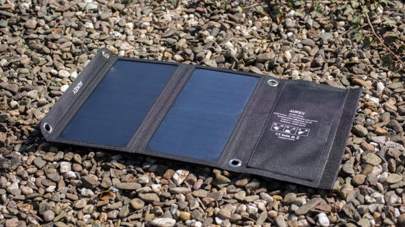 AUKEY Solarladegerät mit 14W im Test-4