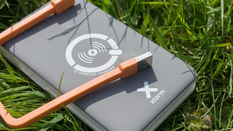die xtorm xb103 power bank wireless 8000 im test. Black Bedroom Furniture Sets. Home Design Ideas