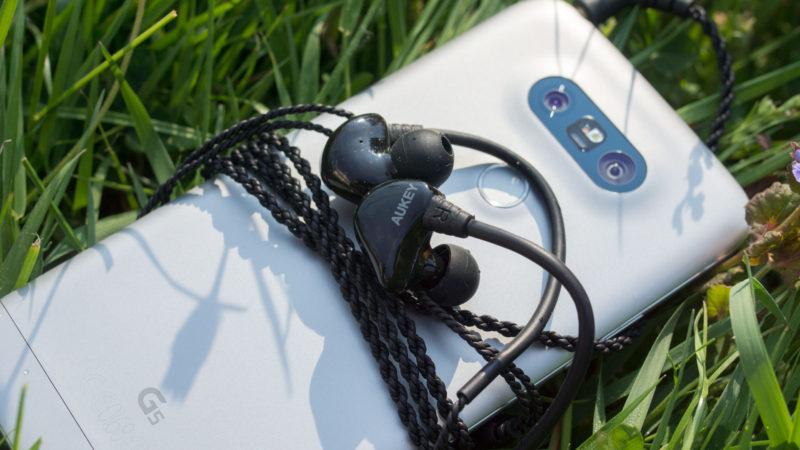 Geheimtipp AUKEY EP-C3, Dual Treiber Ohrhörer für 17€-3