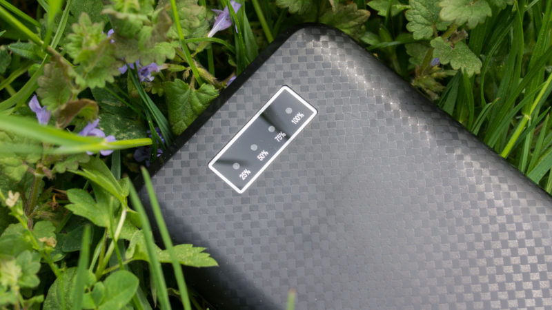 XLayer Carbon Black 20.000mAh Powerbank im Test-4