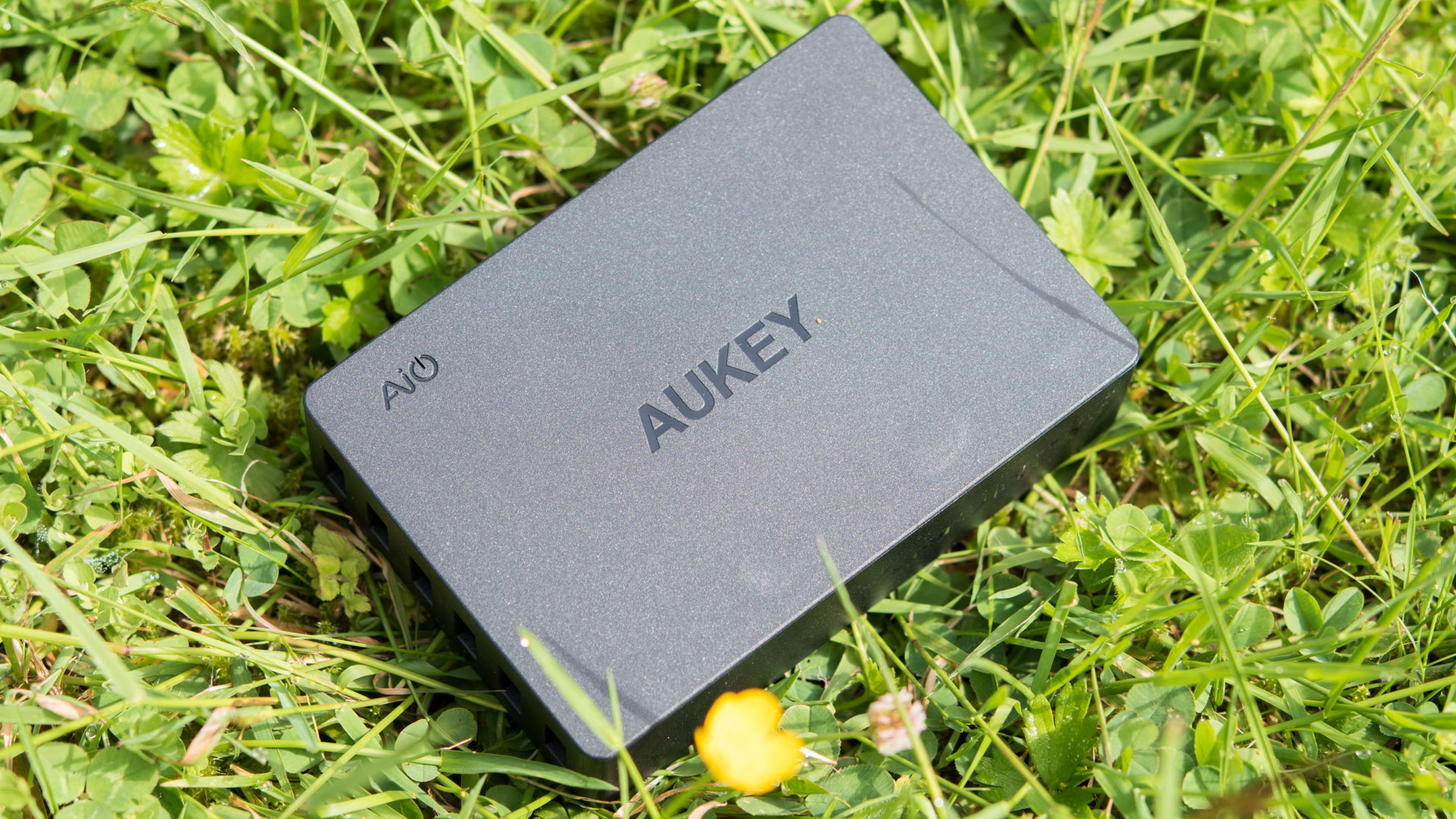 aukey pa t11 60w 6 port ladeger t mit zwei quick charge 3. Black Bedroom Furniture Sets. Home Design Ideas