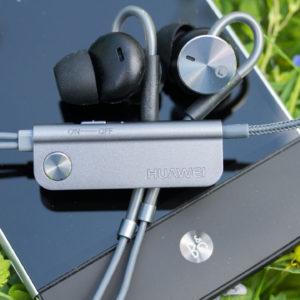 Huawei AM180 Ohrhörer mit Noise Cancelling im Test