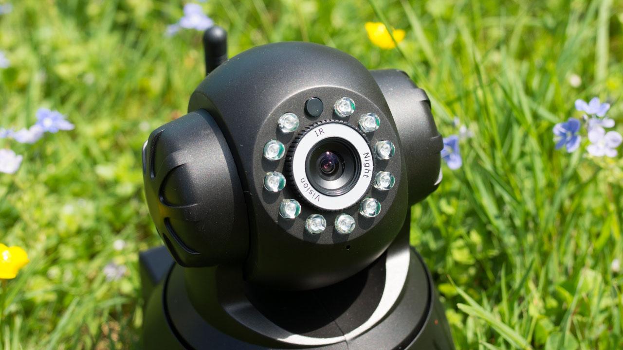 hd ip berwachungskamera f r unter 30 die sricam sp012. Black Bedroom Furniture Sets. Home Design Ideas