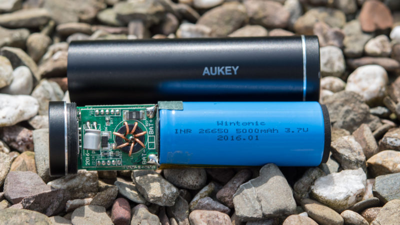 AUKEY 5000mAh Quick Charge 3.0 Test-14