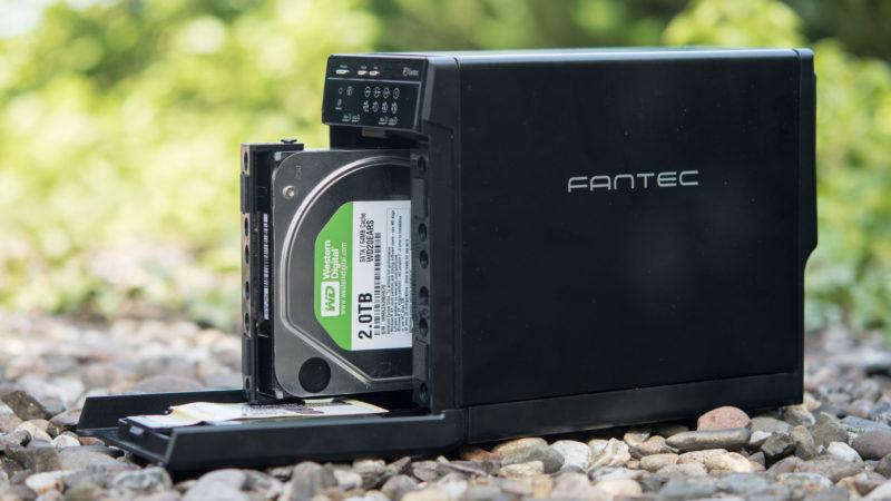 FANTEC QB-X2US3R Gehäuse für zwei 3,5- Festplatten im Test-14