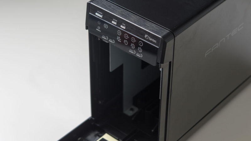 FANTEC QB-X2US3R Gehäuse für zwei 3,5- Festplatten im Test-5
