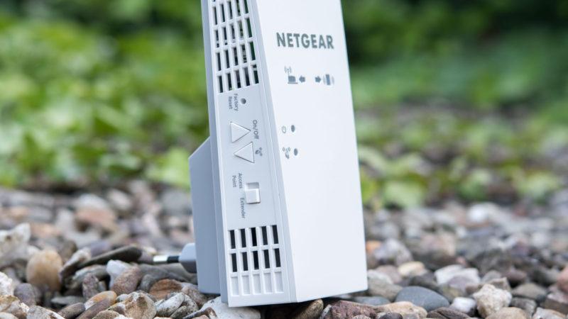 Netgear EX7300 Nighthawk X4 WiFi Range Extender-1