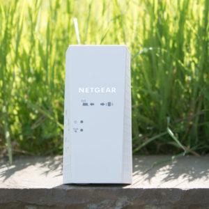 Der Netgear EX7300 Nighthawk X4 WiFi Range Extender im Test