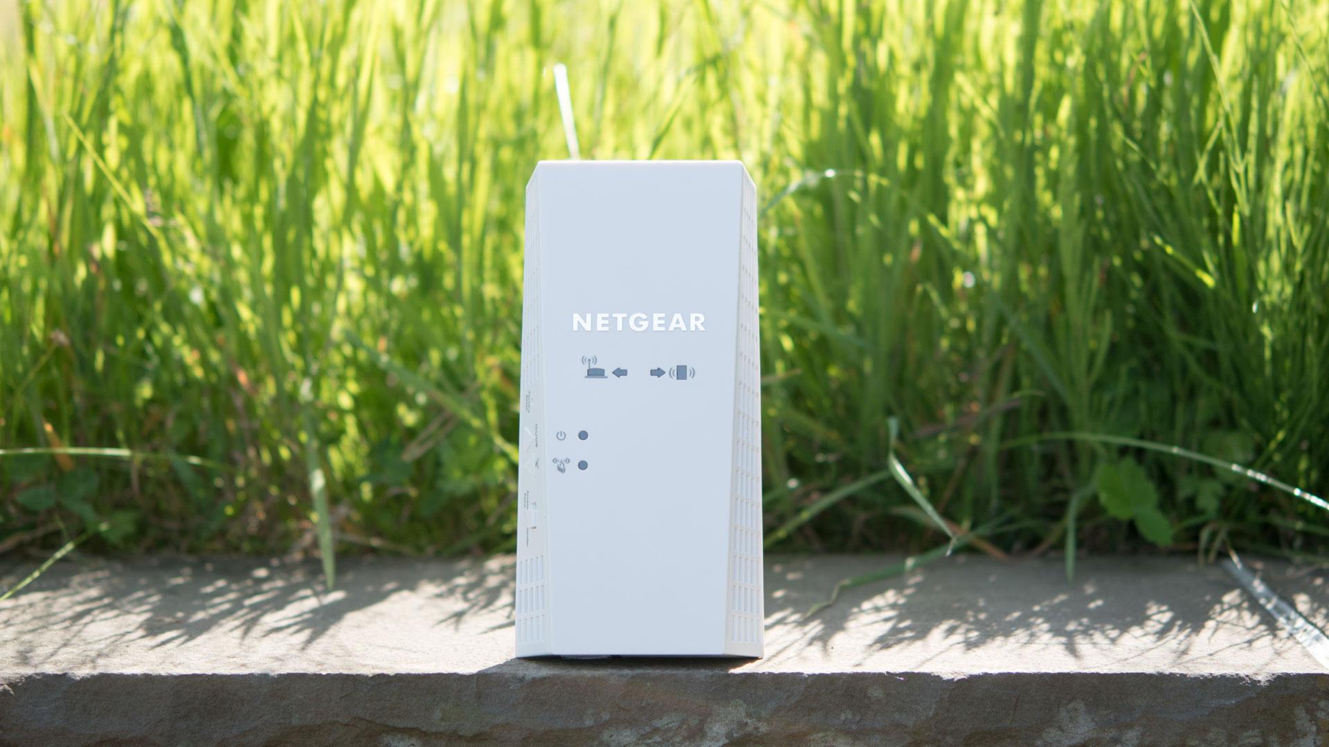 der netgear ex7300 nighthawk x4 wifi range extender im test techtest. Black Bedroom Furniture Sets. Home Design Ideas