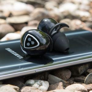 Komplett Kabellose Ohrhörer im Test, die Syllable D900S