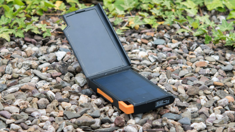 Xtrom AM121 Solar Powerbank Test-19