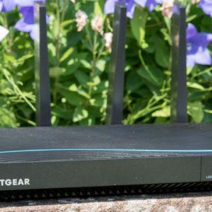 Der Netgear Nighthawk R8500 X8 im Test, was kann ein 400€ WLAN Router?