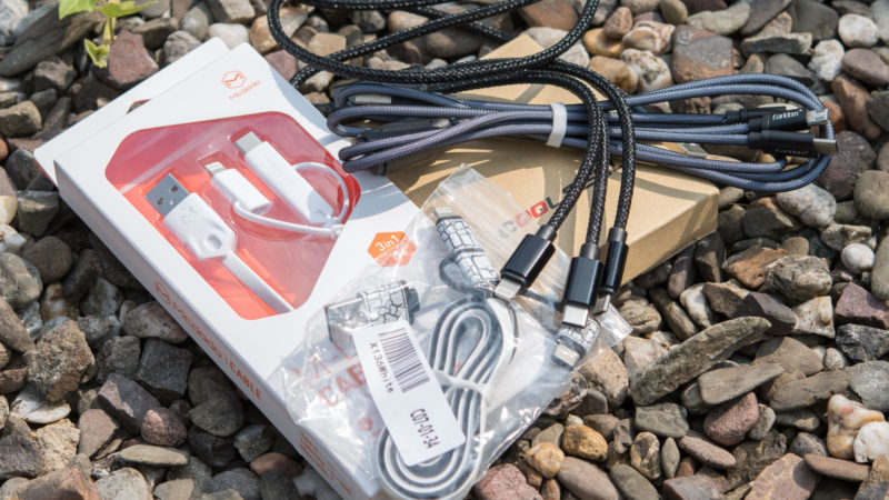 3 in 1 Kabel aus China, USB C, microUSB und Apple Lightning an einem Strang-1
